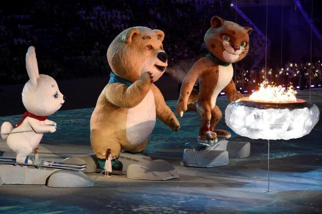 Descontração e ironia no encerramento dos Jogos de Inverno em Sochi ANDREJ ISAKOVIC/AFP