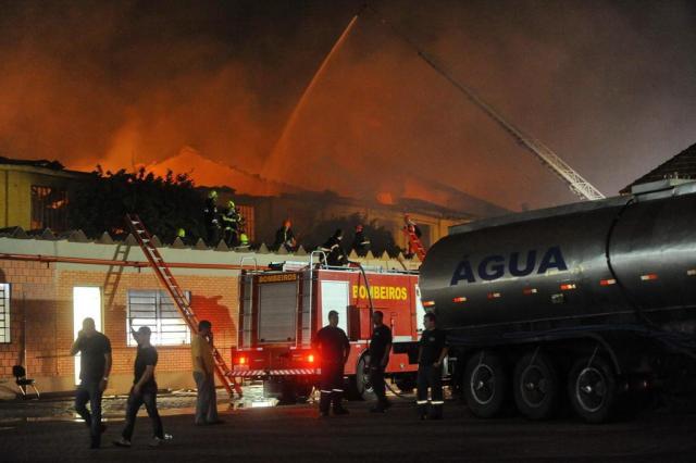 Oficiais da Capital expõem fragilidade da corporação em atender incêndios de grande proporção Diogo Zanatta/Agencia RBS