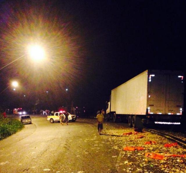 Acidente com caminhão e ônibus na SC-108, em Blumenau, envolveu 25 pessoas  Ana Paula Hochheim/Especial