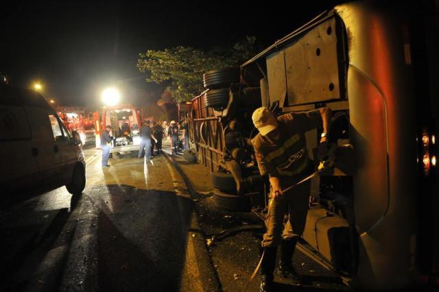 Identidades das vítimas do acidente na SC-108, em Blumenau, ainda não foram confirmadas Lucas Amorelli/Agencia RBS