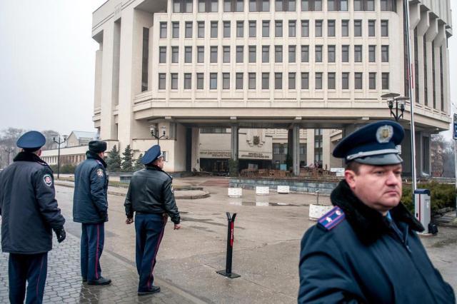 EUA monitoram exercícios de guerra russos na fronteira com a Ucrânia OLEKSANDR POLEHENKO/AFP