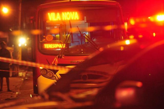Motorista de lotação é morto a tiros durante assalto em Porto Alegre Carlos Macedo/Agencia RBS
