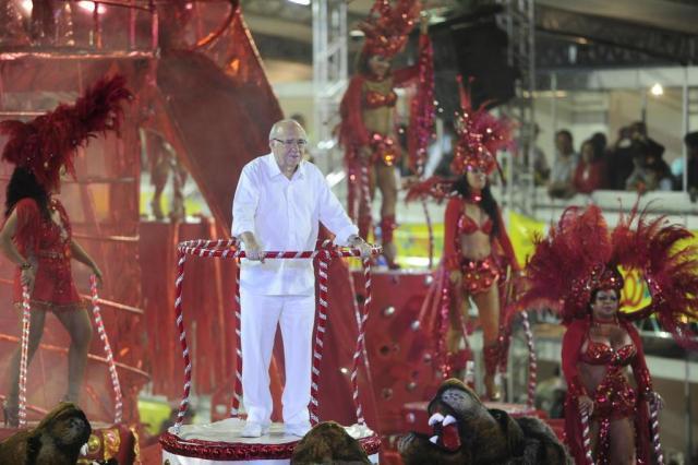 Imperadores do Samba fecha desfiles no Porto Seco com homenagem ao escritor Luis Fernando Verissimo Félix Zucco/Agencia RBS