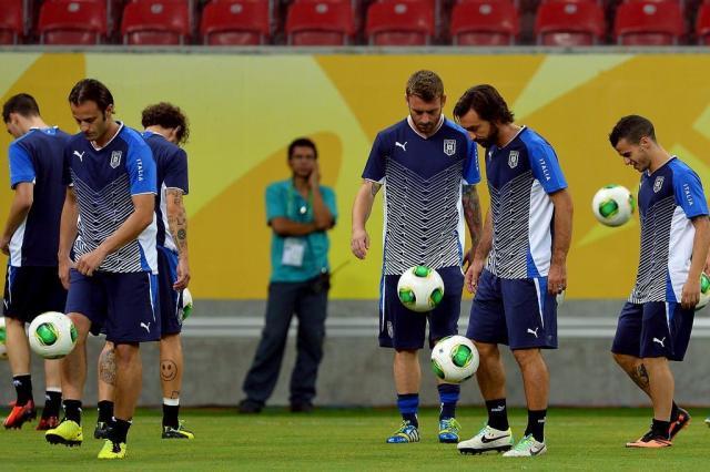 Sem De Rossi e Balotelli, Itália anuncia convocação para amistoso com a Espanha VINCENZO PINTO,afp/AFP
