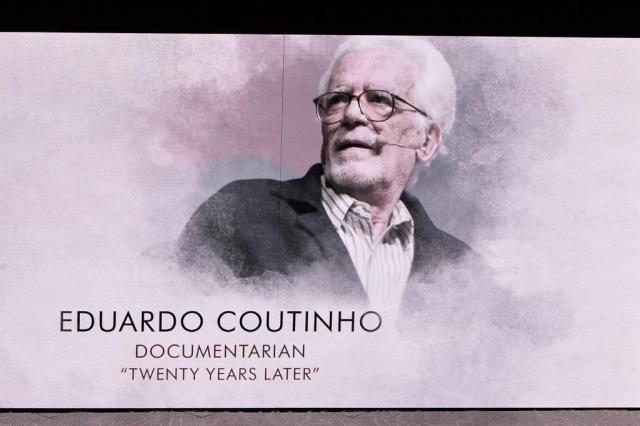 Cineasta Eduardo Coutinho é homenageado no Oscar Kevin Winter/AFP