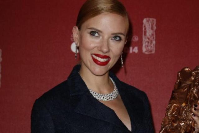 Scarlett Johansson está grávida de cinco meses THOMAS SAMSON/AFP