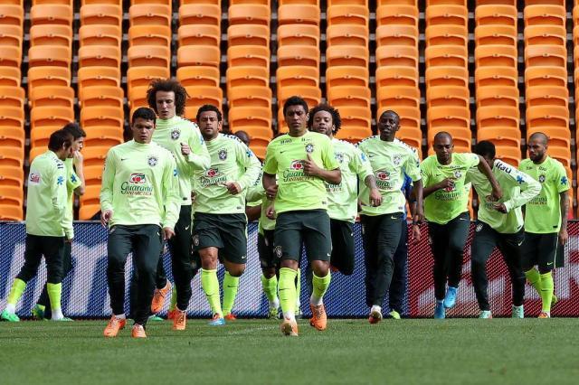 Treino da Seleção confirma Rafinha e Fernandinho como titulares para amistoso desta quarta-feira Jefferson Bernardes/VIPCOMM