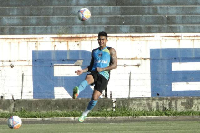 Enderson comanda treino de bola parada e confirma time com Dudu Wendell Ferreira/ Agência RBS/