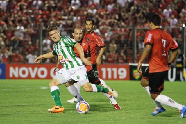 Com gol contra e sem jogadores importantes, Juventude é derrotado por 2 a 0 pelo Brasil-Pe Ítalo Santos/Divulgação