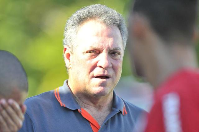 "Abel Braga confirma Alan Patrick na vaga de D'Ale e elogia Sasha: ""Está pedindo passagem"" Lauro Alves/Agencia RBS"