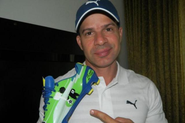 Túlio Maravilha dá adeus ao futebol em partida pelo Araxá com 36 pagantes Puma/Divulgação