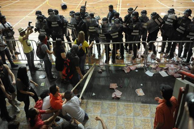 Professores de Educação Física do Estado depredaram Tesourinha e atiraram pedras na BM, diz secretário Mauro Vieira/Agencia RBS