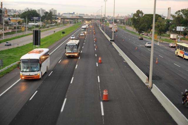Quarta faixa da freeway é parcialmente liberada no sentido Porto Alegre-Litoral Diogo Zanatta/Agência rbs