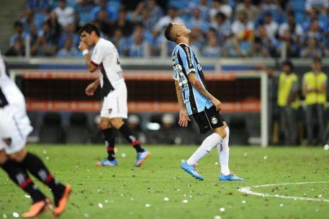 Grêmio pressiona no segundo tempo, mas empata em 0 a 0 com Newell's Old Boys pela Libertadores Félix Zucco/Agencia RBS