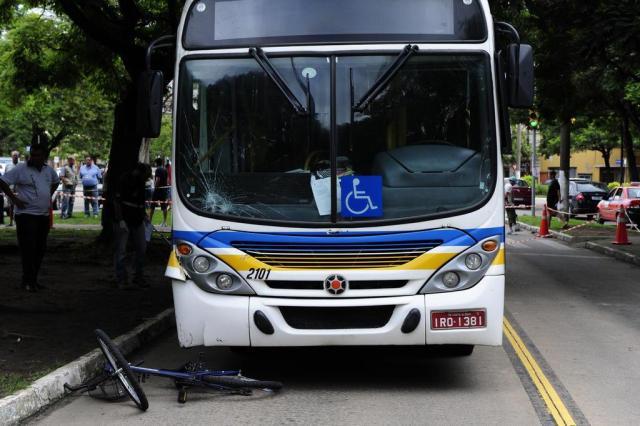 Ciclista morre atropelada por ônibus em Porto Alegre Tadeu Vilani/Agencia RBS