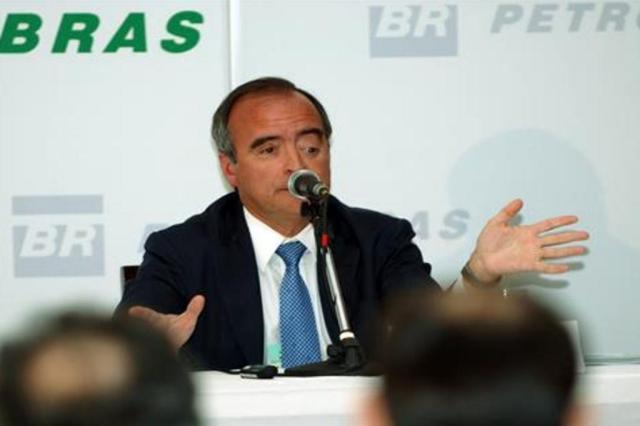 """Responsável pelo parecer """"falho"""" sobre refinaria viaja para a Europa em férias Divulgação/Assessoria Petrobras"""