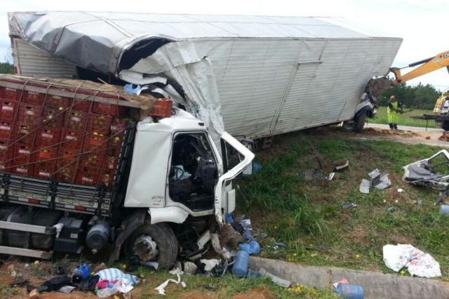 Acidente na BR-101, em Palhoça, causa transtornos no trânsito da região Polícia Rodoviária Federal/Divulgação