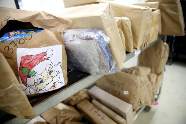 Três meses após o Natal, 180 crianças ainda não receberam brinquedos doados nos Correios Bruno Alencastro/Agencia RBS