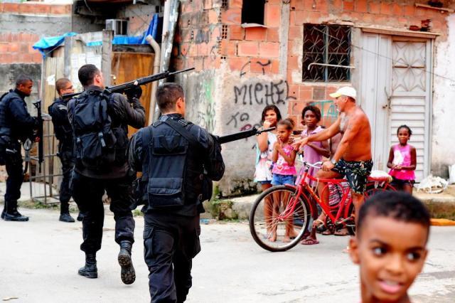 Exército e PM fazem a primeira operação conjunta no Rio em três anos Fernando Gomes/Agencia RBS