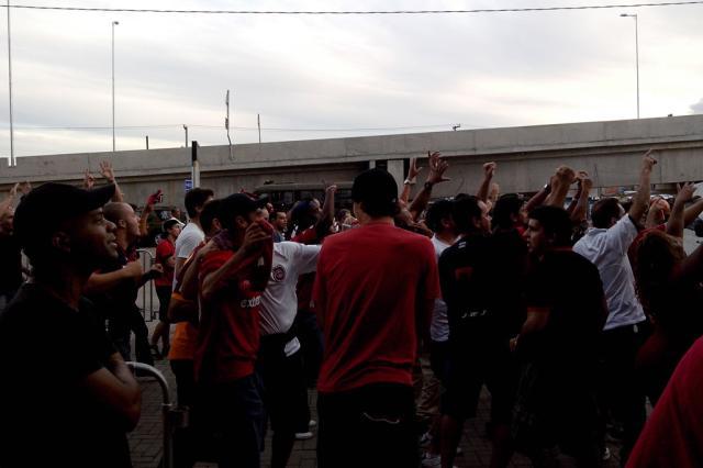 FOTO: torcida do Brasil-Pel chega à Arena para duelo decisivo com o Grêmio Rafael Diverio/