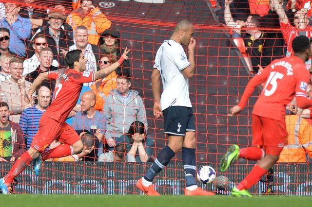 Liverpool goleia o Tottenham e vira líder do Campeonato Inglês PAUL ELLIS / AFP/