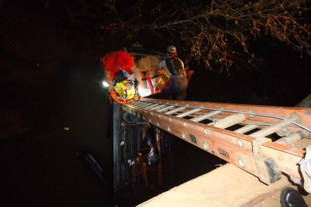 """""""Foi um milagre"""", conta bombeiro que resgatou motorista após queda em arroio no interior de Teutônia Arquivo pessoal/Arquivo pessoal"""