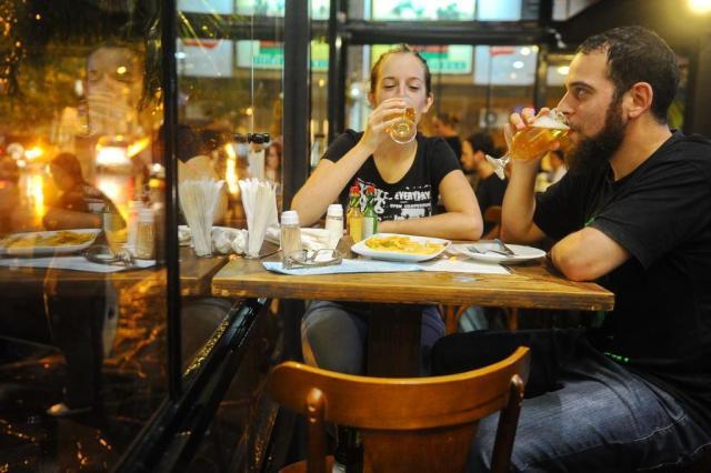 Aumento de impostos sobre a cerveja pega consumidores de surpresa Félix Zucco/Agencia RBS