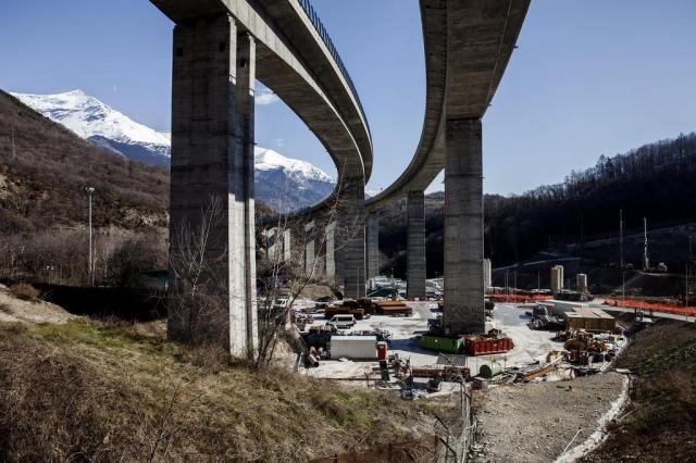 Opositores tentam impedir construção de trem que liga Itália e França Fabio Bucciarelli/The New York Times