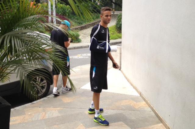 Luan tem fratura na mão confirmada e desfalca Grêmio contra Nacional-URU e no Gre-Nal Luiz Zini Pires/