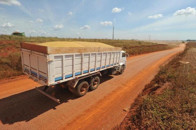 Com infraestrutura precária, produtores de soja ainda enfrentam problemas para escoar a safra no Estado Jean Pimentel/Agencia RBS