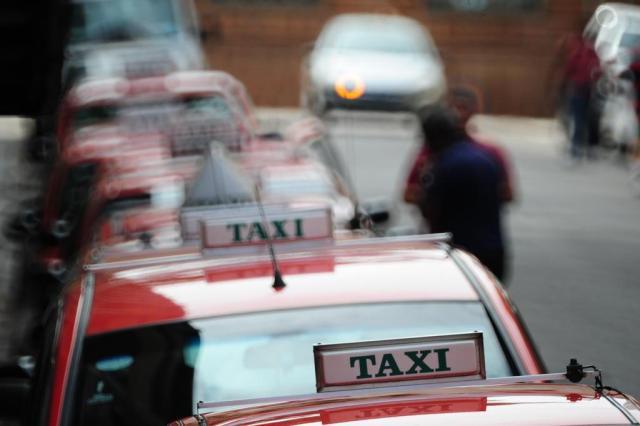 Frota de táxis da Capital terá serviço de cartão de crédito e débito até a Copa Fernando Gomes/Agencia RBS