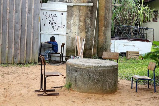 Escola de Viamão tem prédio interditado e obriga alunos a se revezarem nas aulas Ricardo Duarte/Agencia RBS