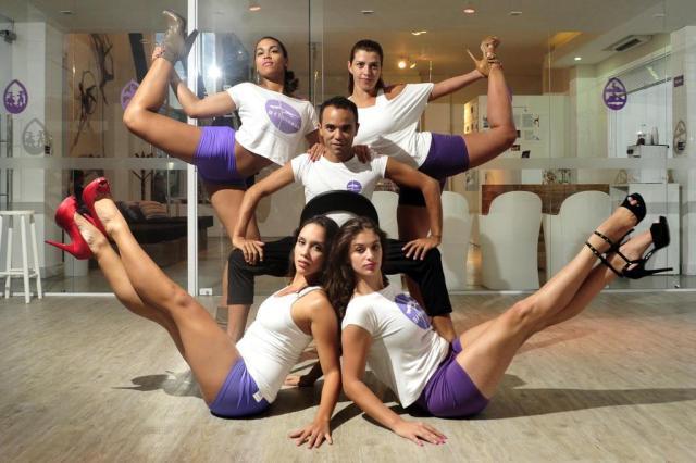 Curso ensina mulheres joinvilenses a dançar inspiradas em divas do pop Leo Munhoz/Agencia RBS