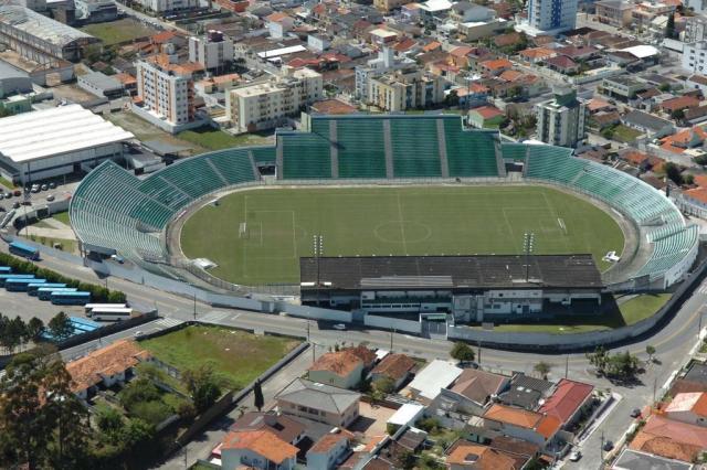Atlético-PR e Grêmio se enfrentam no Scarpelli pela primeira rodada da Série A Daniel Conzi/Agencia RBS