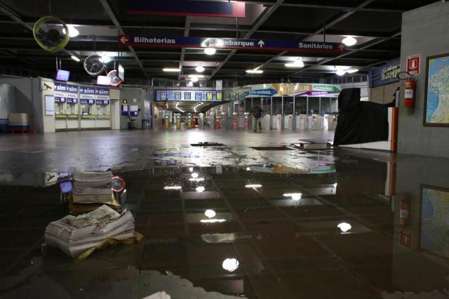 Após cinco horas fechada, estação Mercado do trensurb volta a operar normalmente Guilherme Santos/Especial