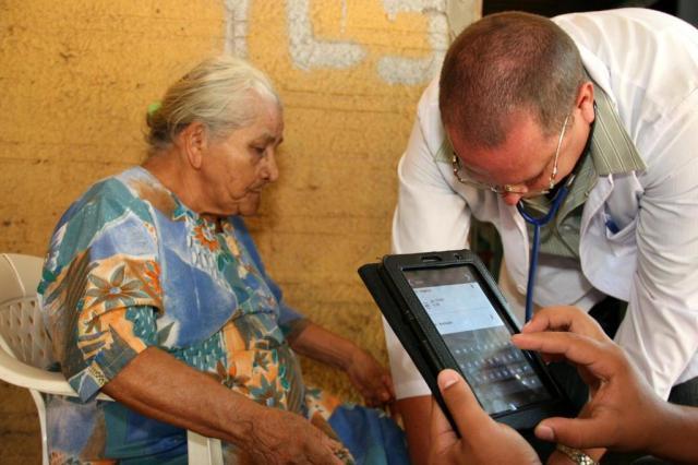 Tablets são novos parceiros de médicos das Unidades de Saúde da Família de Novo Hamburgo Charles Dias/Especial