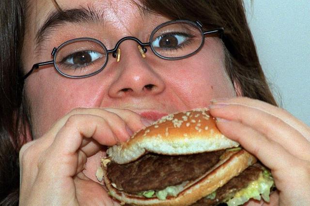 """Comer """"besteiras"""" vicia, afirma estudo Ver Descrição/Ver Descrição"""