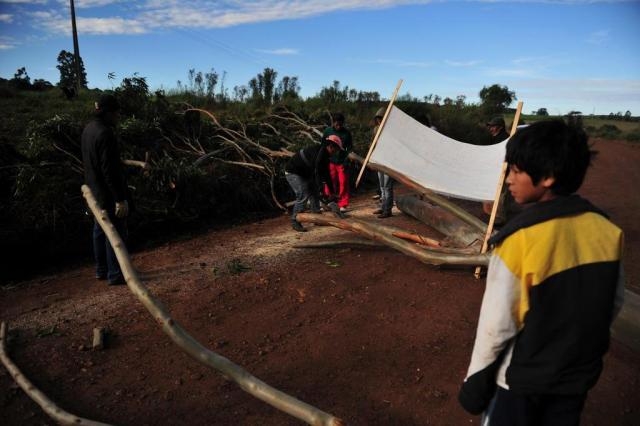 Mesa de diálogo não agrada envolvidos em conflito agrário CARLOS MACEDO/Agencia RBS