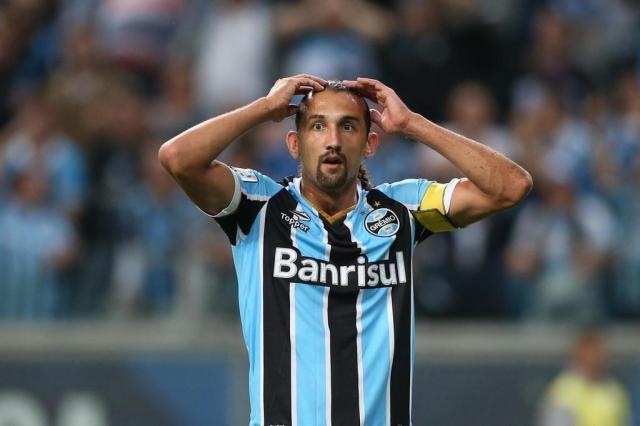 Grêmio perde nos pênaltis e está fora da Libertadores Diego Vara/Agencia RBS