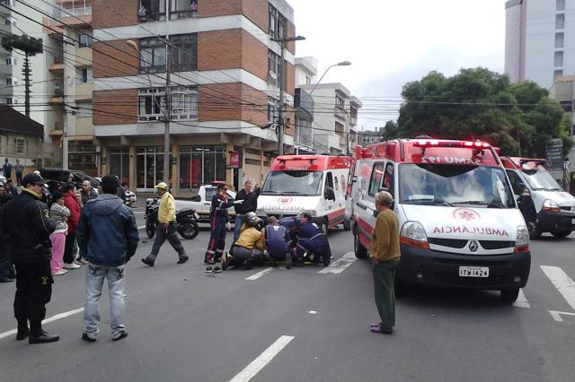 Acidente no centro de Caxias do Sul deixa três feridos Maurício Reolon / Agência RBS/