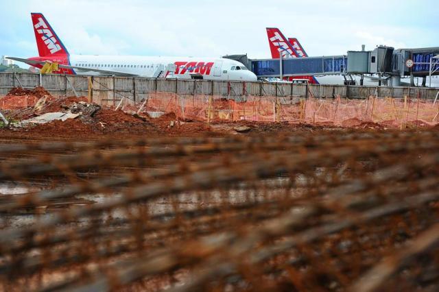 Nenhum aeroporto das cidades-sede ficou pronto para a Copa Félix Zucco/Agencia RBS