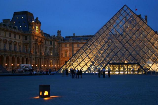 Pinturas do Museu do Louvre são danificadas durante tempestade Divulgação/Divulgação