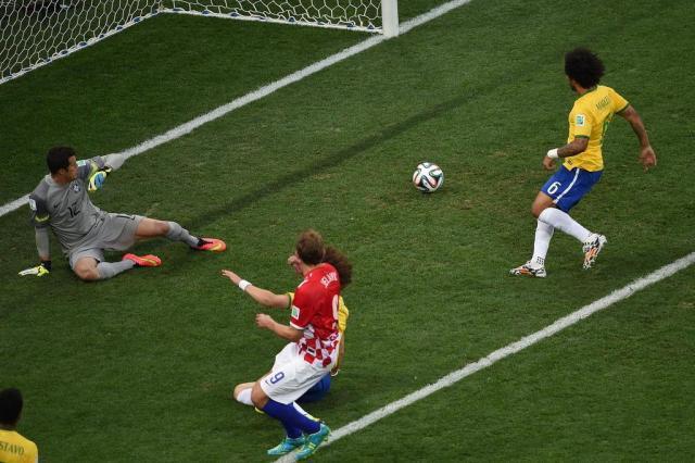 Marcelo marcou primeiro gol contra do Brasil na história das Copas PEDRO UGARTE/AFP