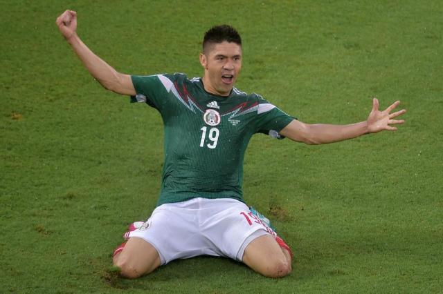 No grupo do Brasil, México bate Camarões na estreia Gabriel Bouys/AFP