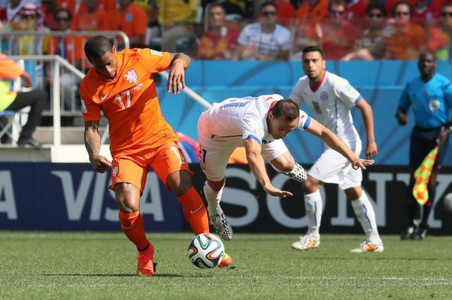 Holanda vence Chile e assegura primeiro lugar do Grupo B da Copa do Mundo Emerson Souza/Agencia RBS