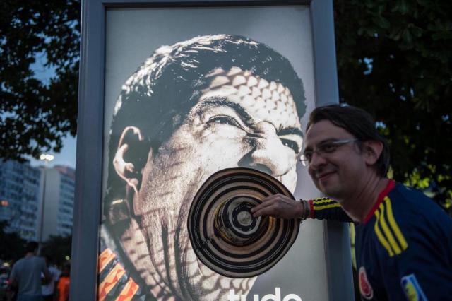Adidas anuncia manutenção do patrocínio de Suárez YASUYOSHI CHIBA/AFP