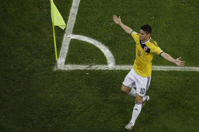 Com dois gols de James Rodríguez, Colômbia vence Uruguai e pega o Brasil FELIPE DANA/AFP