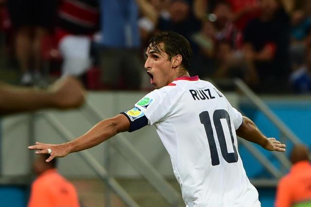 Nos pênaltis, Costa Rica vence a Grécia e enfrenta a Holanda PEDRO UGARTE/AFP