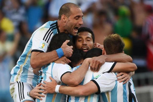 Com lesão muscular, Zabaleta é cortado da seleção argentina Christophe Simon/AFP