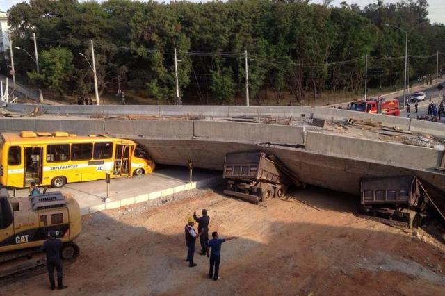 Desabamento de viaduto deixa dois mortos e 15 feridos em Minas Gerais  Lucas Prates/Hoje em dia/Estadão Conteúdo